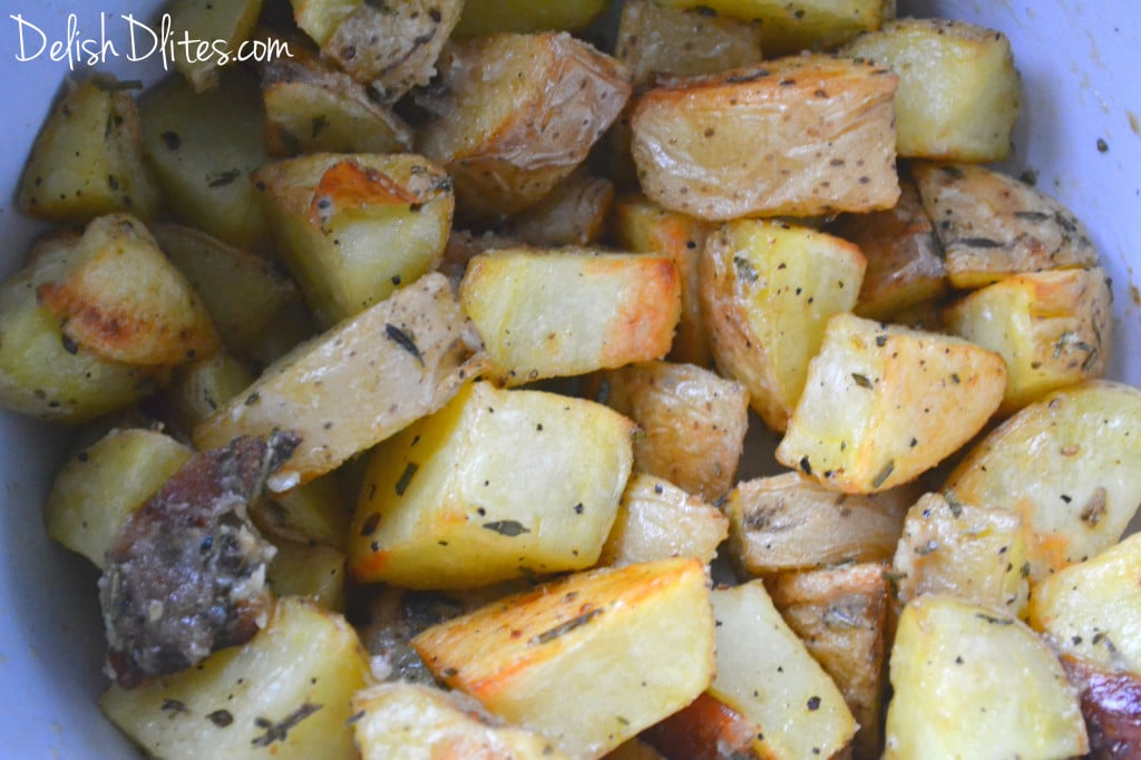 Roasted Garlic, Rosemary & Thyme Potatoes | Delish D'Lites