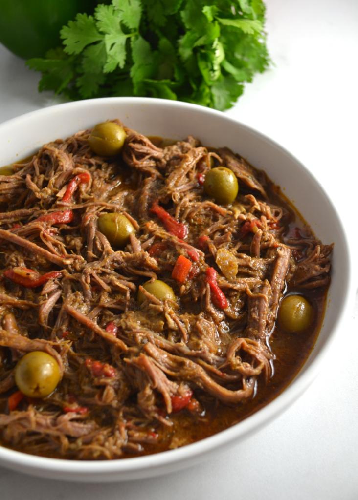 Slow Cooker Ropa Vieja (Cuban Shredded Beef Stew)