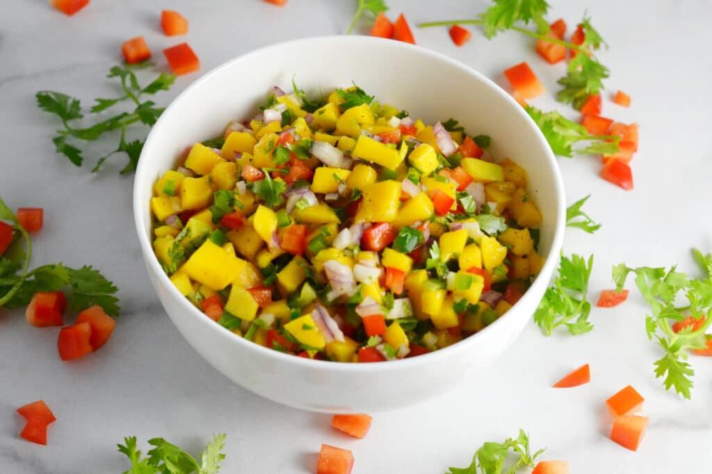 Quick and Easy Fresh Mango Salsa | Delish D'Lites