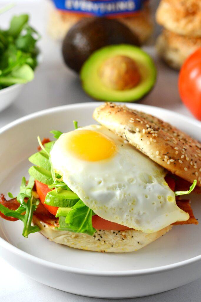 Avocado BLT Breakfast Bagel Sandwich | Delish D'Lites
